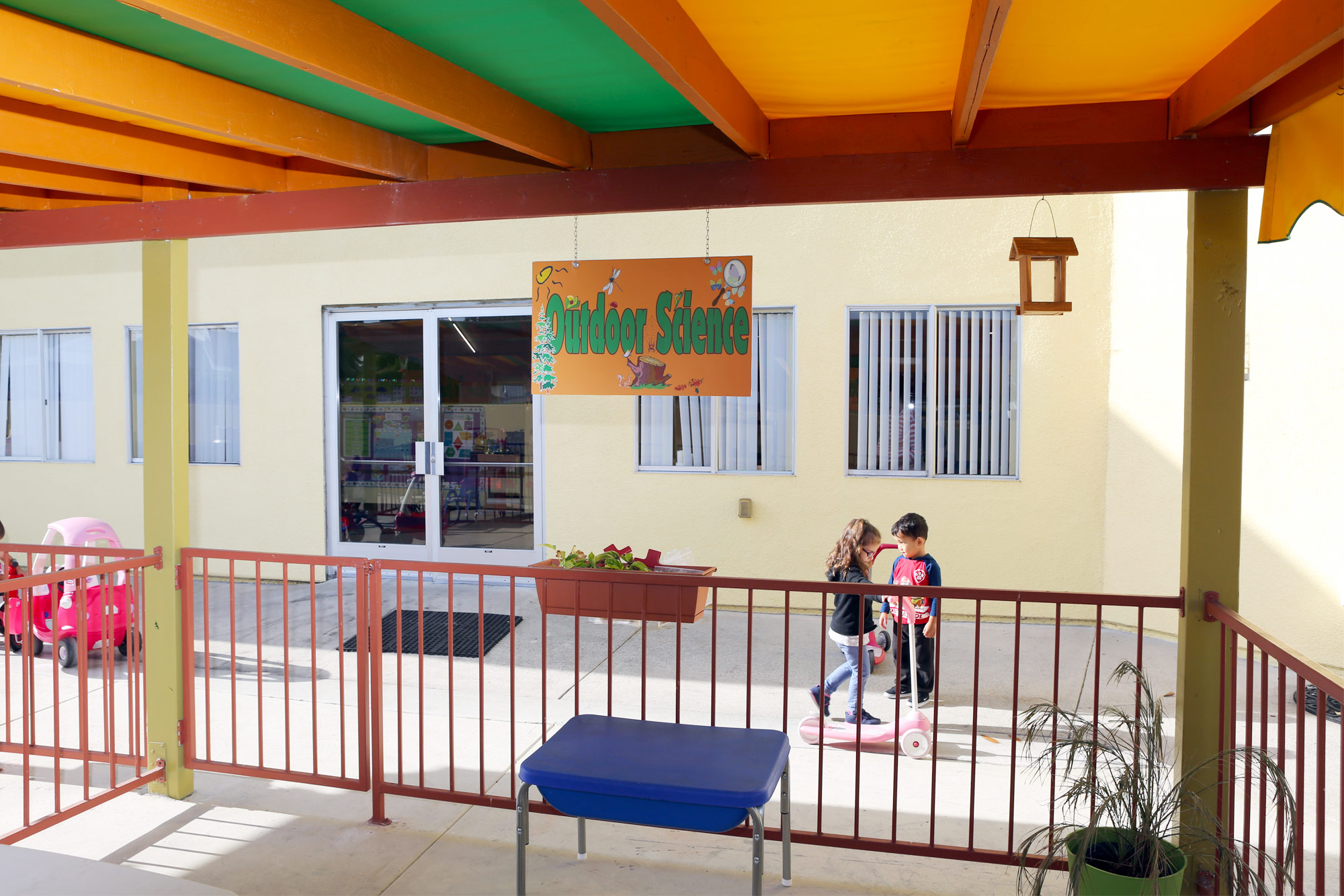 OC-Kids-Preschool-Outdoor-Science